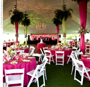 Outdoor wedding decorating tent photograph modern wedding for Outdoor party tent decorating ideas
