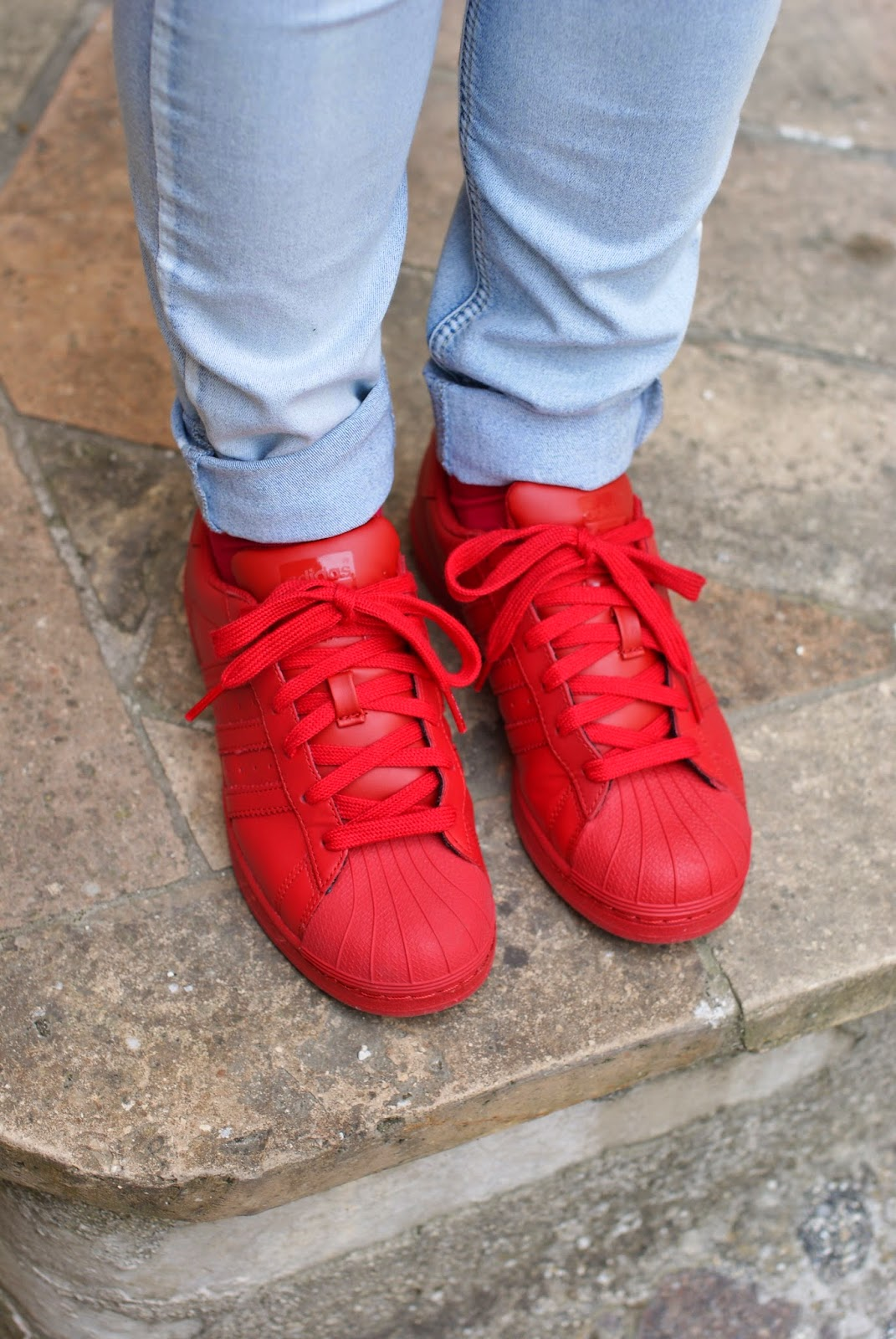 supercolor adidas rosse da donna, red adidas supercolor sneakers, Fashion and Cookies fashion blog, fashion blogger streetstyle