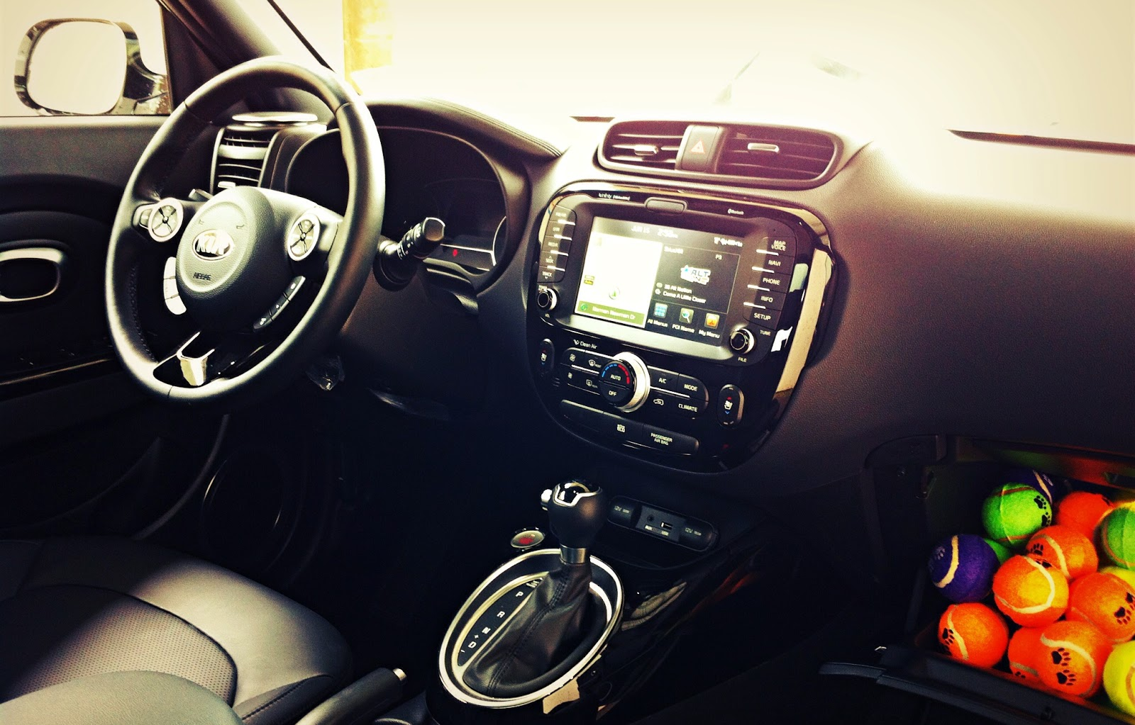 2014 Kia Soul SX Luxury interior