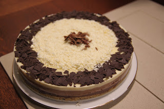 Tarta de tres chocolates czyli trójczekoladowa dekadencka tarta