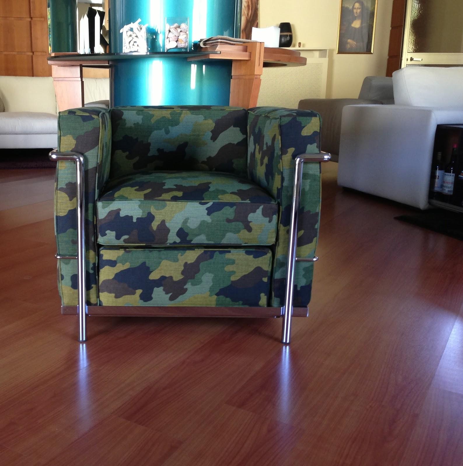 Poltrone dal rivestimento creativo tino mariani - Tessuto rivestimento divano ...