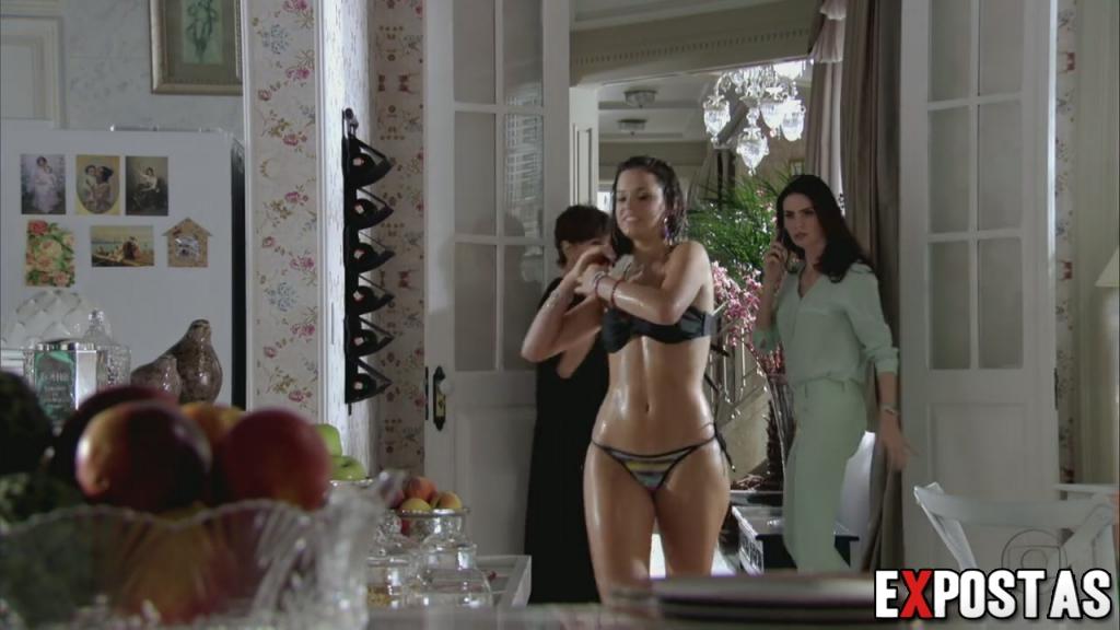 ... ! Bruna Marquezine de biquíni confira as fotos e cena da novela