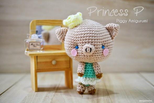http://www.craftpassion.com/2014/06/piggy-amigurumi-princess-p.html/2