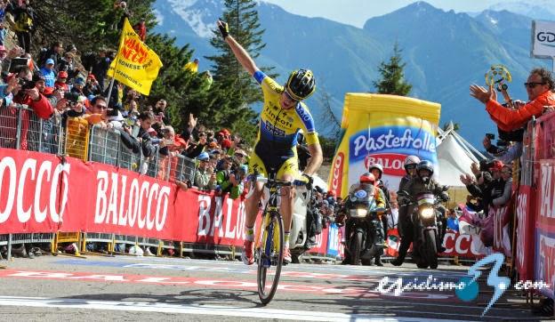 Rogers consigue su segunda etapa en el Giro