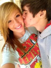 How long has alex constancio and sarah wright been dating