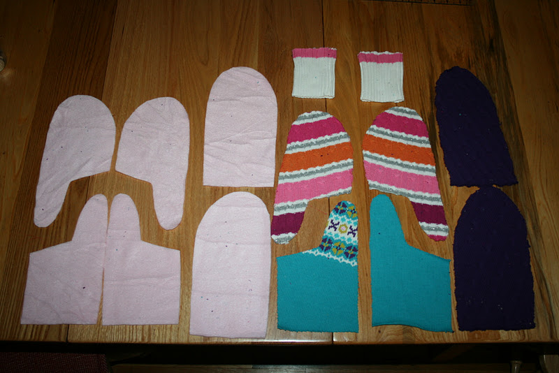 All of the pieces you need to make one set of mittens.
