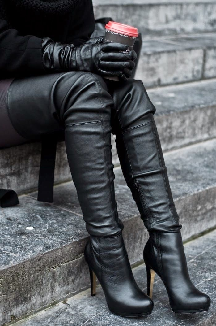Awesome Black knee boot
