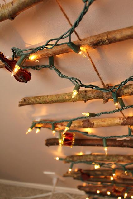 Galho de árvore de Natal na parede - Tartarugas e Tails blogue