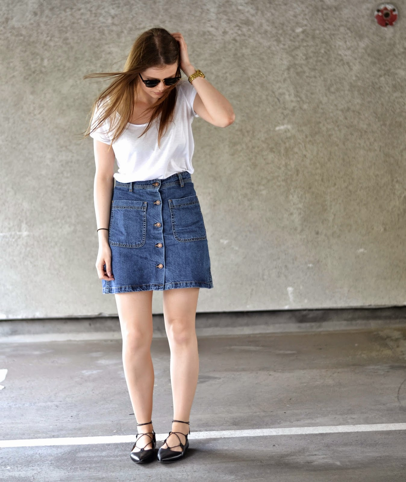 itslilylocket-button-down-denim-skirt-outfit