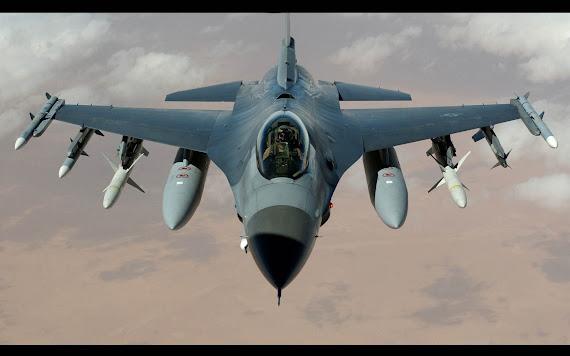 wallpaper pesawat tempur F16, gambar pesawat tempur