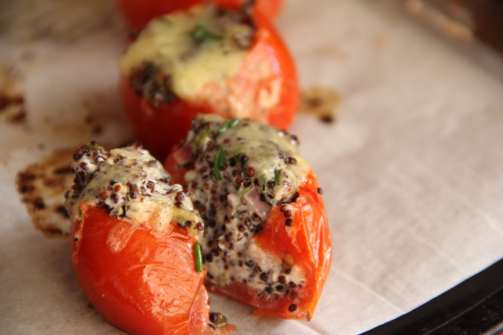 bona food: Quinoa & Goats Cheese Stuffed Tomatoes