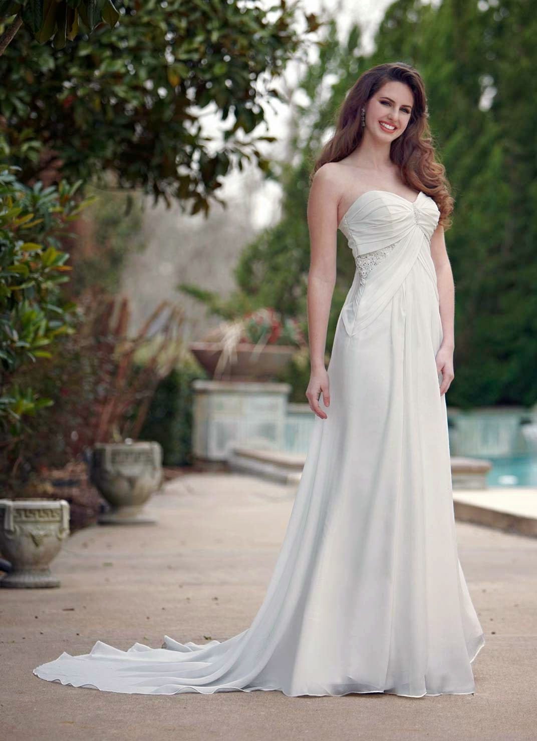 Designer Maternity Wedding Dresses with Train UK Photos HD Ideas