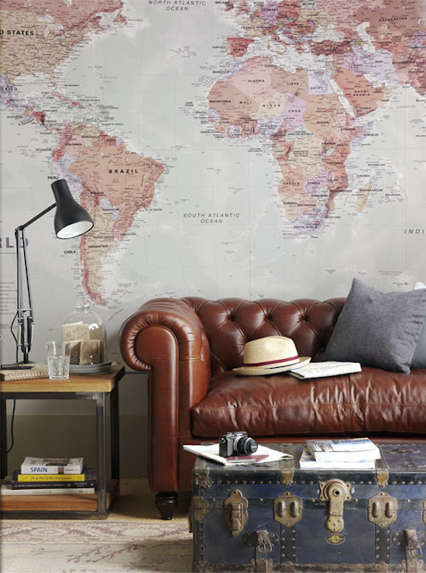 map-decor-in-the-living-room