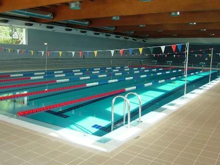Olhar oleiros na sert piscinas municipais reabrem a 5 de for Piscina municipal oleiros