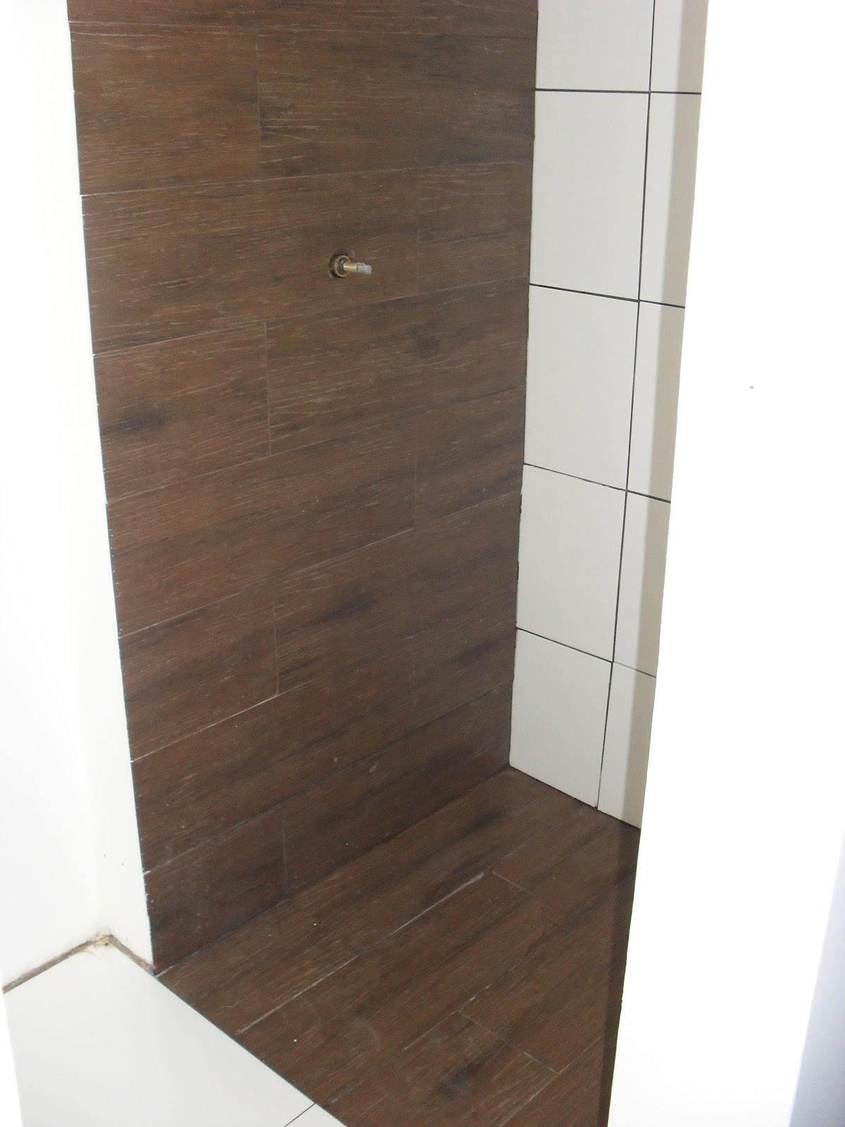 Nosso 1º apê: Finalmente escolhemos o granito #604C3D 1200x1600 Banheiro Branco E Marron