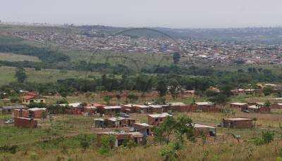 Dupla é flagrada negociando terreno irregular em São Sebastião