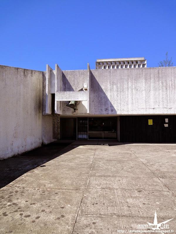 Villenave d'Ornon - Eglise Saint-Delphin  Architectes: Adrien Courtois, Yves Salier, Pierre Lajus, Michel Sadirac  Construction: 1965
