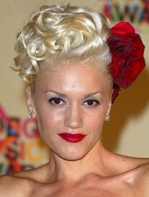 Gwen Stefani Deep Coils hairstyle.
