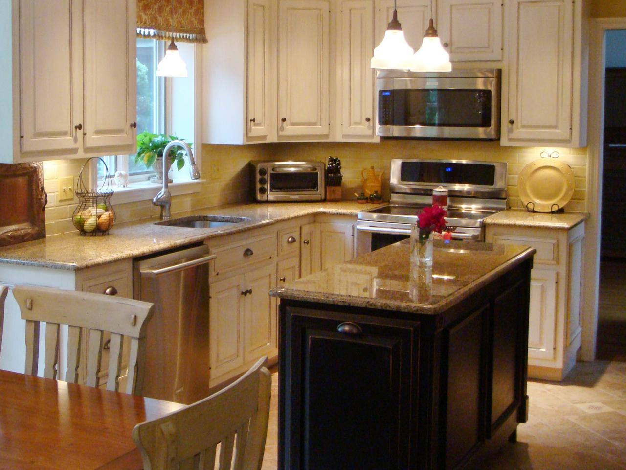 Small kitchen design ideas with island the new kitchen for Small kitchen layout with island