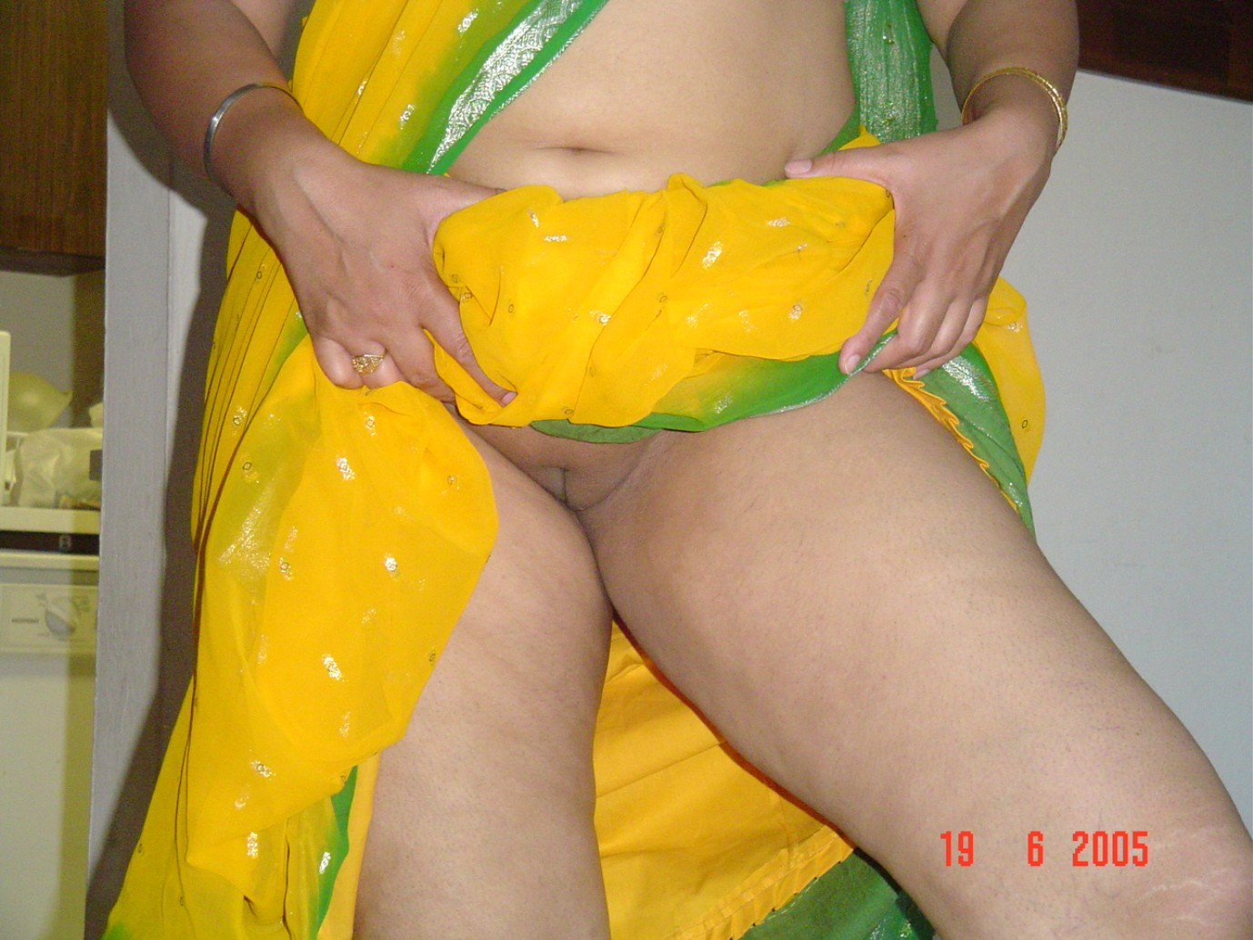 Indian aunties ass upskirt