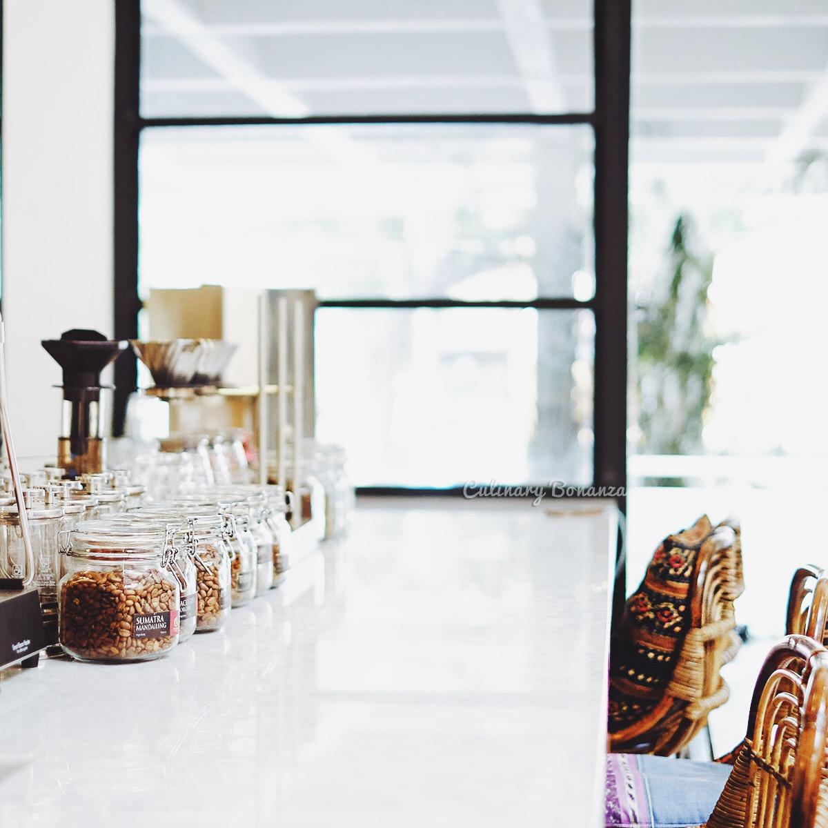 Anomali Coffee Menteng (www.culinarybonanza.com)