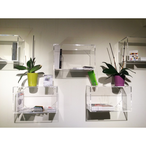 Progettazione e produzione di arredo e complementi d for Cubi da parete ikea