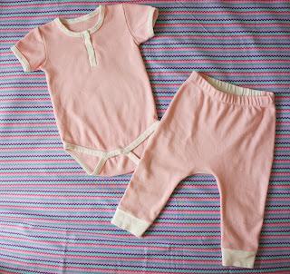 Боди и штанишки для девочки