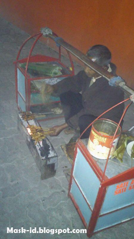 Mencicipi sate kelinci saat MUSDA DPD Pormiki DIY | Mas Kid Blog