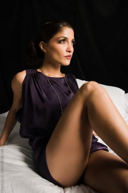 Sexy Actress Nazneen Contractor