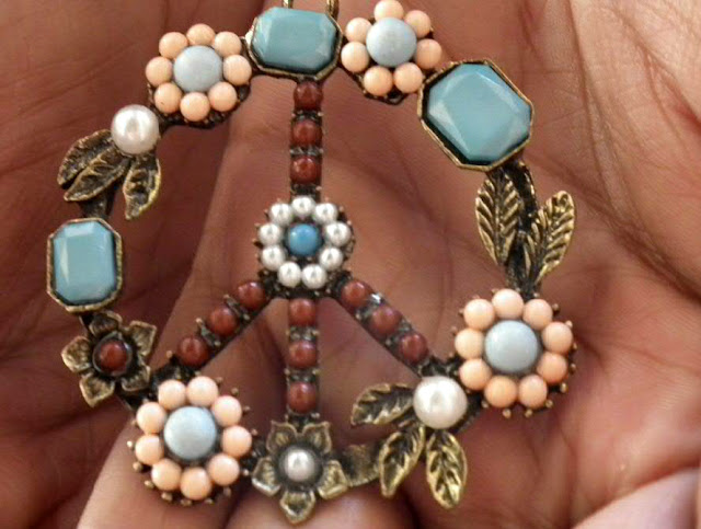 Neckalce with Flower Pendant and Stones