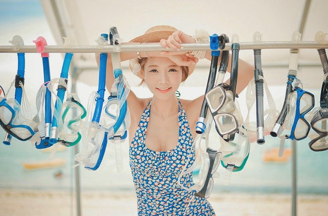 Park Sooyeon Blue Swimsuit