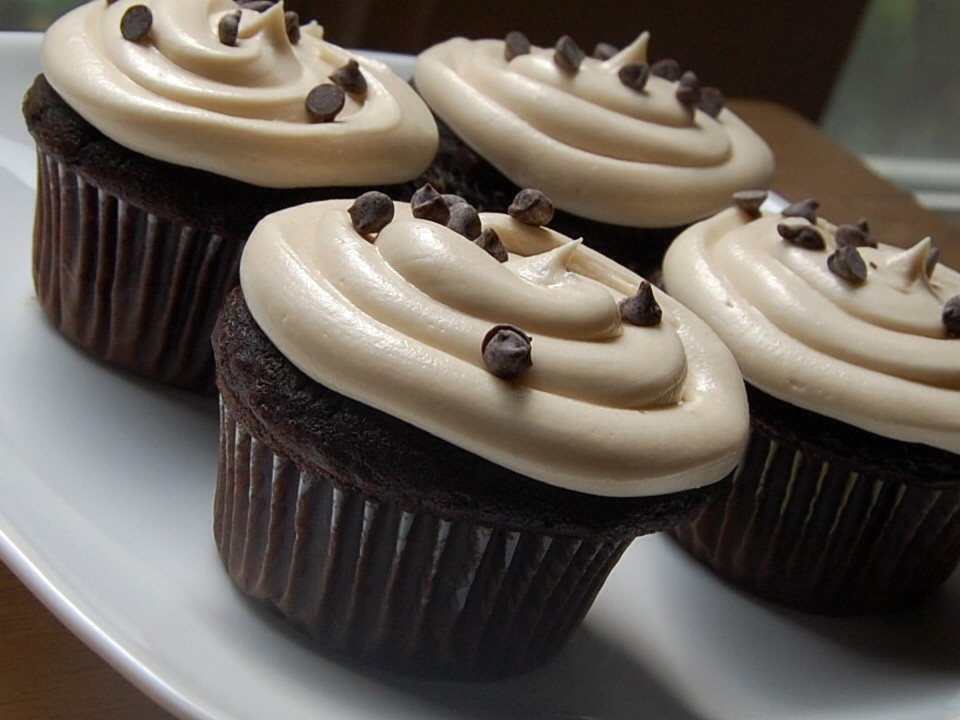 Cassie Craves: Chocolate Cupcakes with Coffee Buttercream