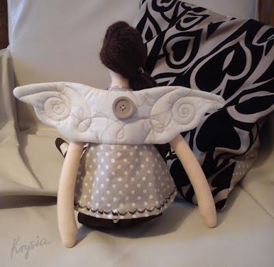 Krysia to uszyła - anielica Mikołajkowa dla Marysi - skrzydła
