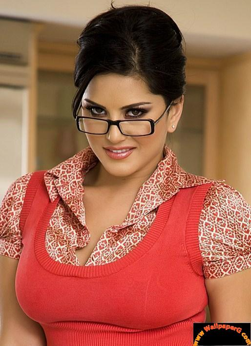 Latest Sunny Leone Mobile Wallpapers For 2012
