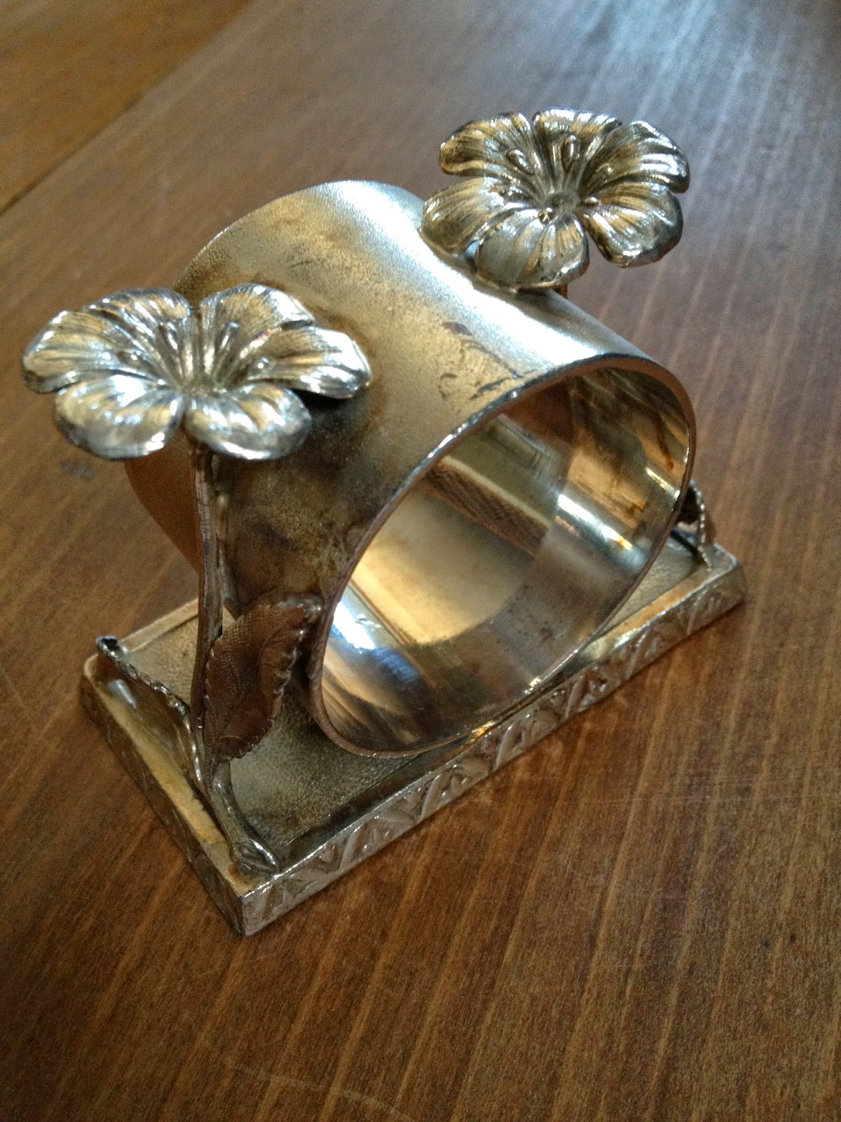 Double Flower Antique Victorian Napkin RIng