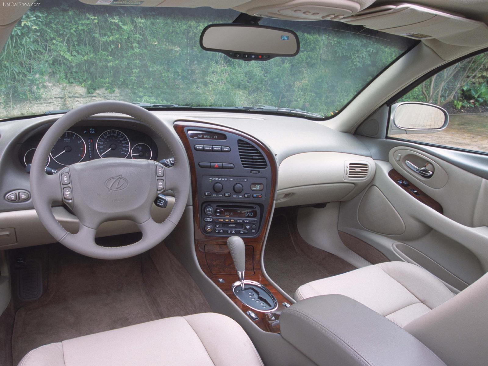 Hình ảnh xe ô tô Oldsmobile Aurora 2002 & nội ngoại thất