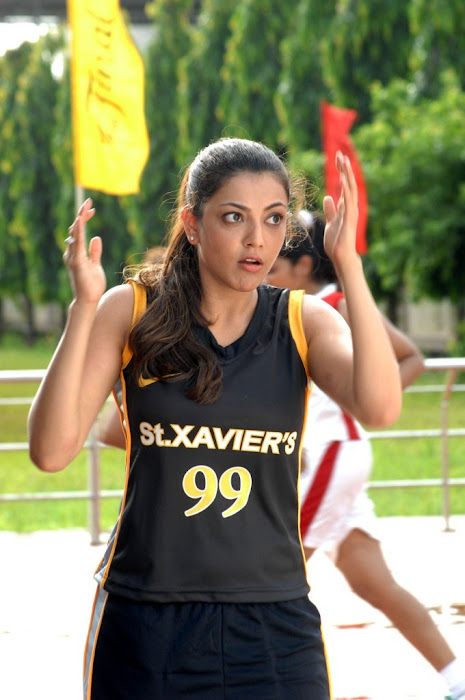 kajal agarwal from thupaki latest photos