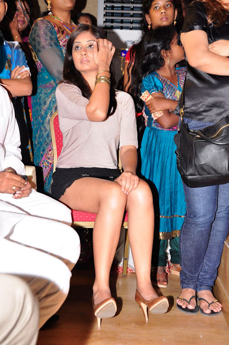 bhanu sri mehra milky in public event
