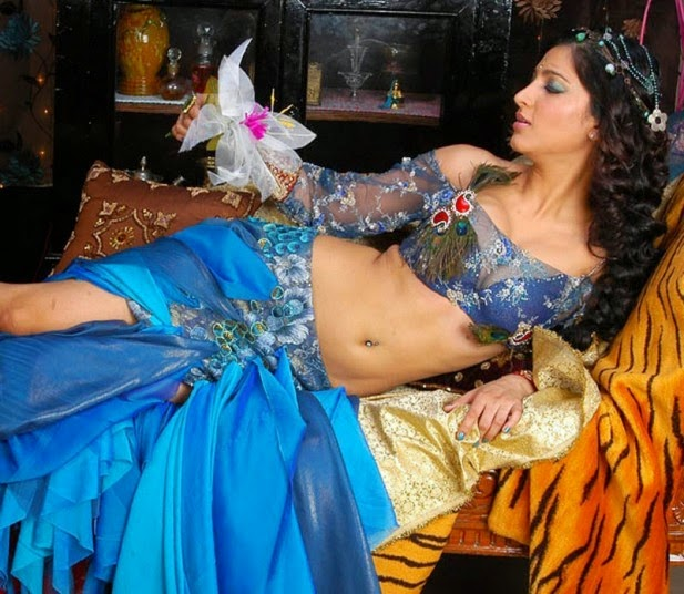Shruti Hassan Hot Photoshoot