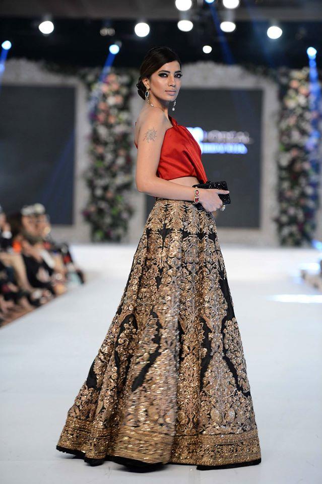 Sana Safinaz bridal dresses at PLBW 2015 -Fashion Council - Bridal ...
