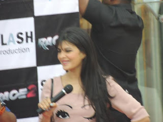Pics: Jacqueline Fernandez's Race 2 promotion in Pune