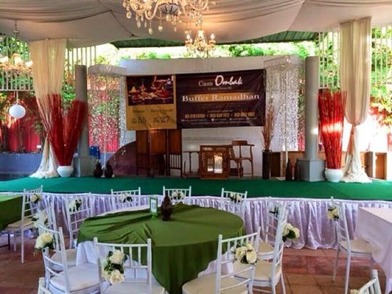 Suasana santai Buffet Ramadhan di Casa Ombak