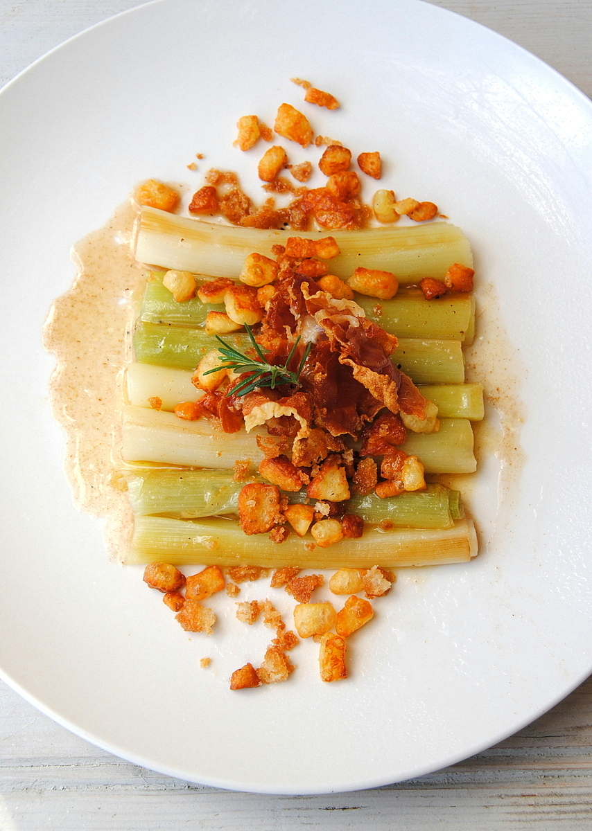 Braised Baby Leeks with Halloumi 'Popcorn' and Frizzled Prosciutto ...