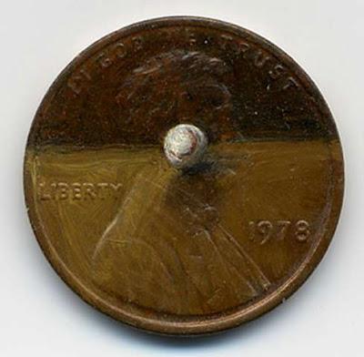 لوحات زيتية دقيقة ومدهشة على العملات المعدنية الصغيرة  167346_7_600