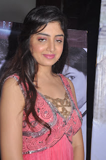 Poonam_Kaur_Photos_At_Guest_Movie