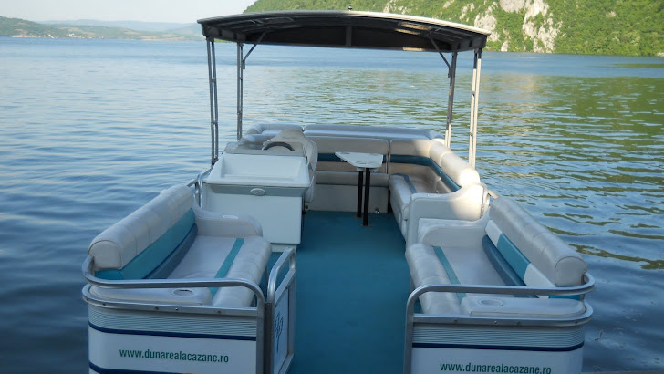 Salupa pentru croaziera pe Dunare