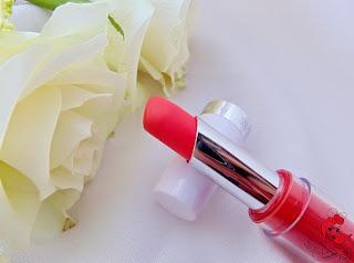 Jade Maybelline 14h Lipstick - Burst of Coral - www.annitschkasblog.de