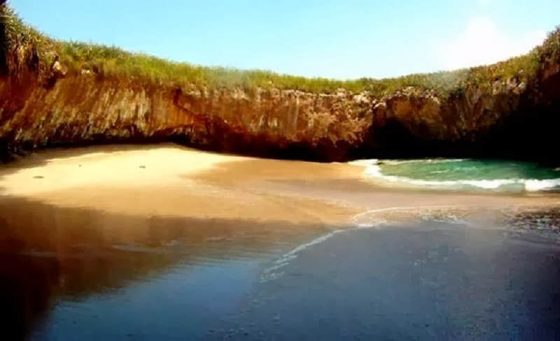Mexico's Hidden Beach At Marieta Islands, A Real Exciting Wonder