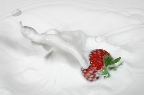 صورجميلة فراولة بالحليب