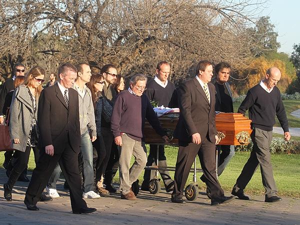 Espect culo news espacio digital de noticias e for Cementerio jardin de paz pilar